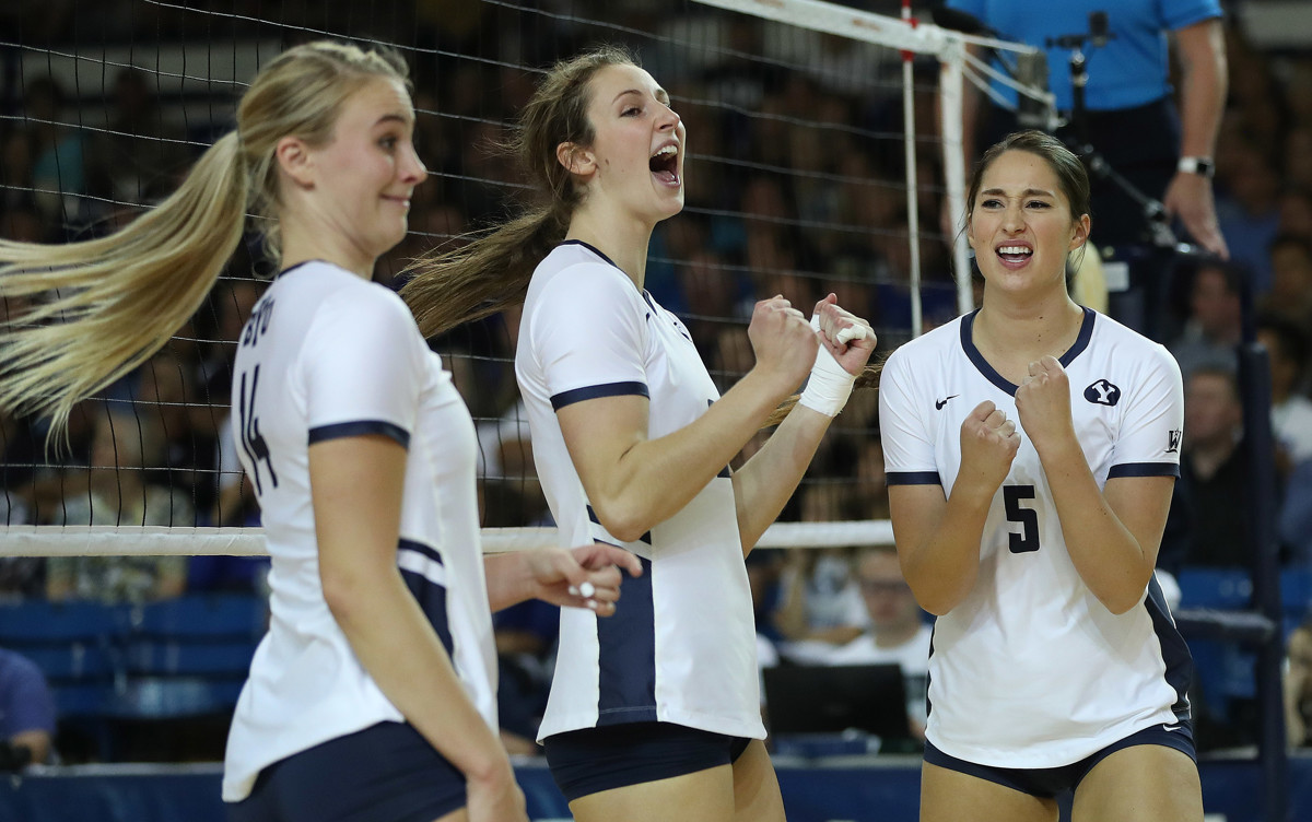 9ccbab95cbce BYU women s volleyball  Top-ranked Cougars dispatch Pacific in quick fashion