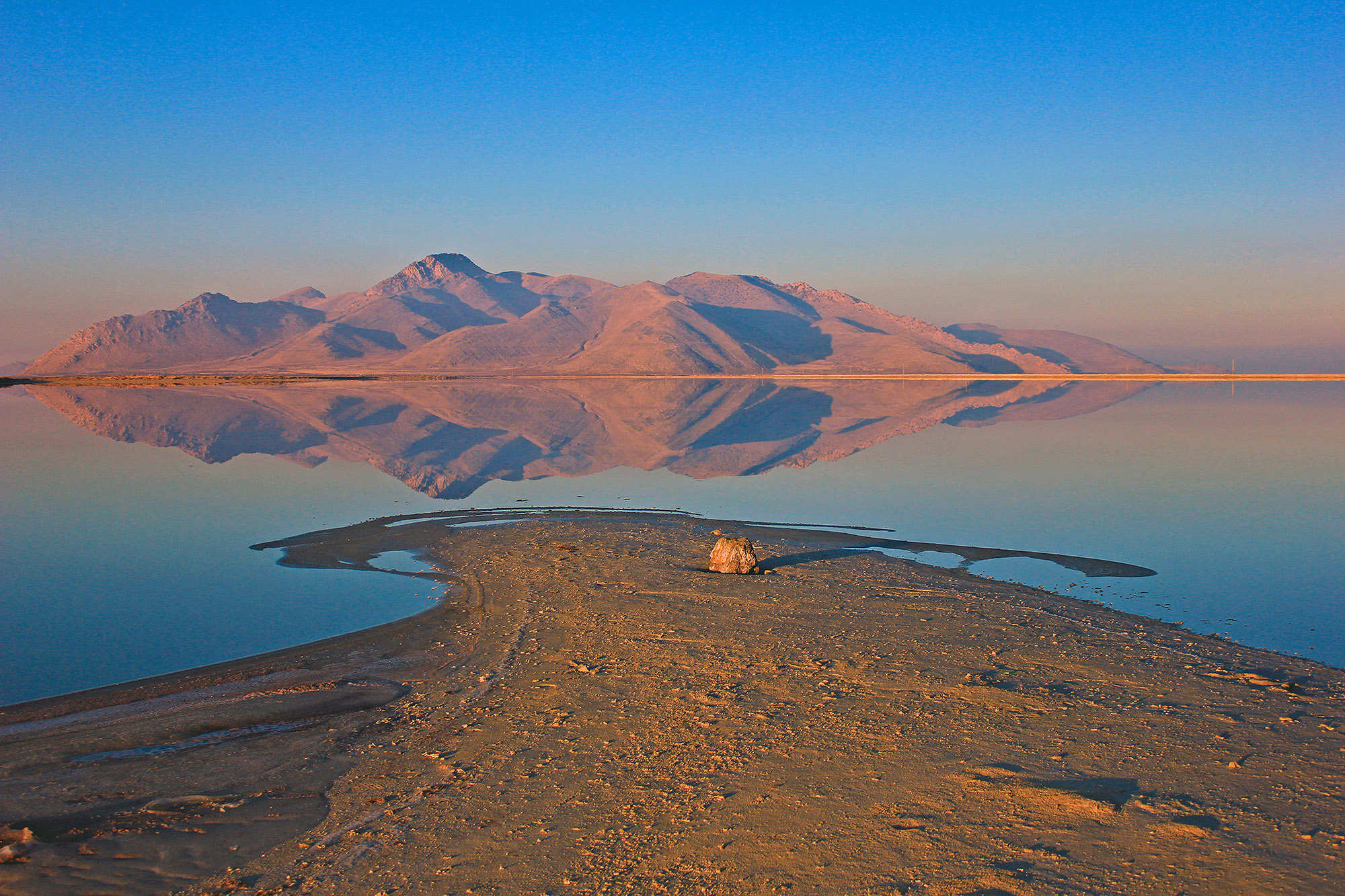 Great Salt Lake Facts and Information | Utah com