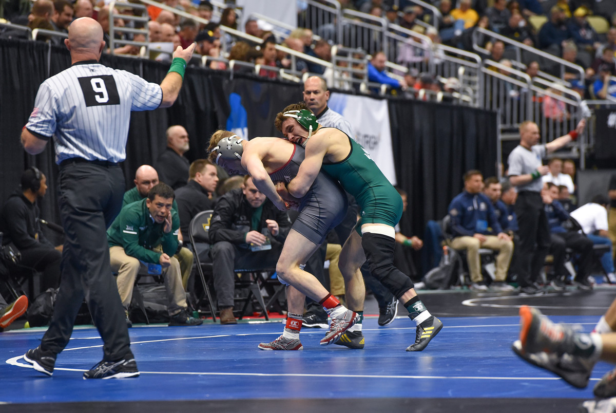 best website 1bbc9 e480c UVU wrestling  Five Wolverines advance to Day Two at NCAA Championships