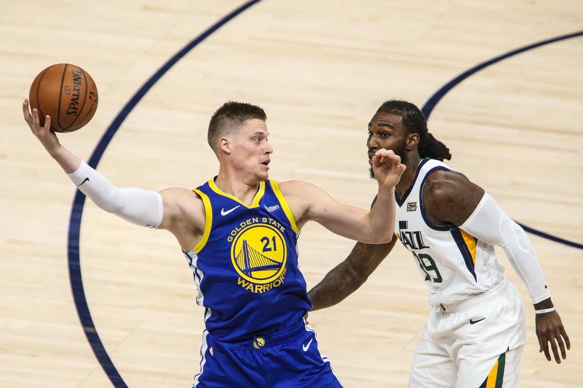 417104f3f Golden State Warriors Jonas Jerebko (21) looks on to pass the ball as Utah  Jazz forward Jae Crowder (99) defends during an NBA basketball game against  the ...
