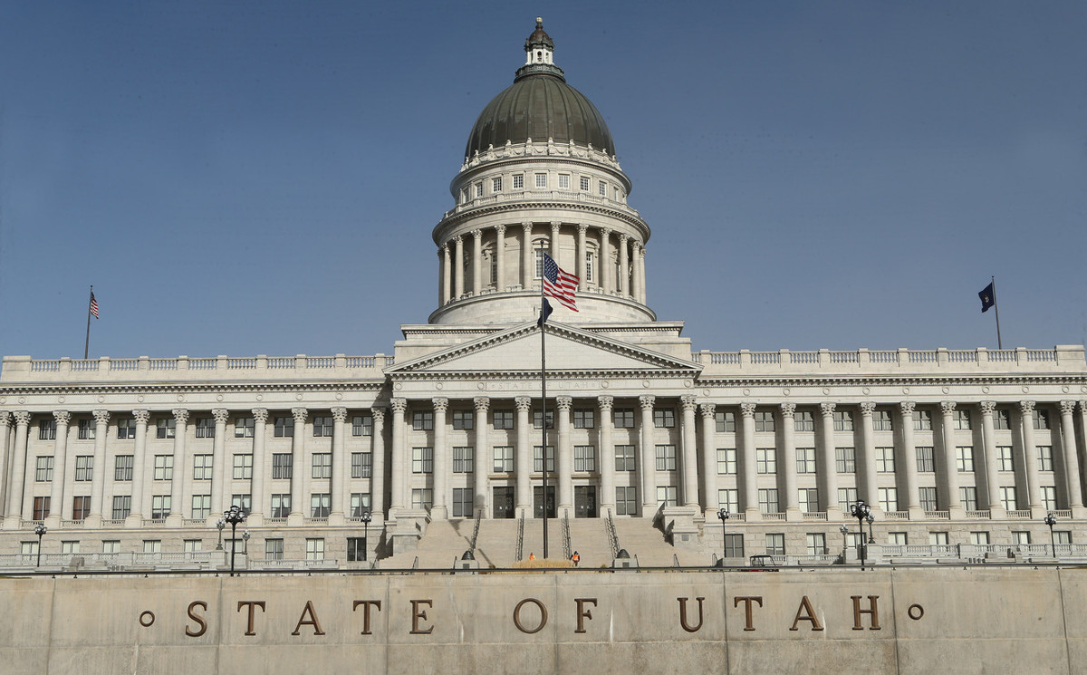 Senate committee moves proposal to eliminate decals on for Utah state department of motor vehicles