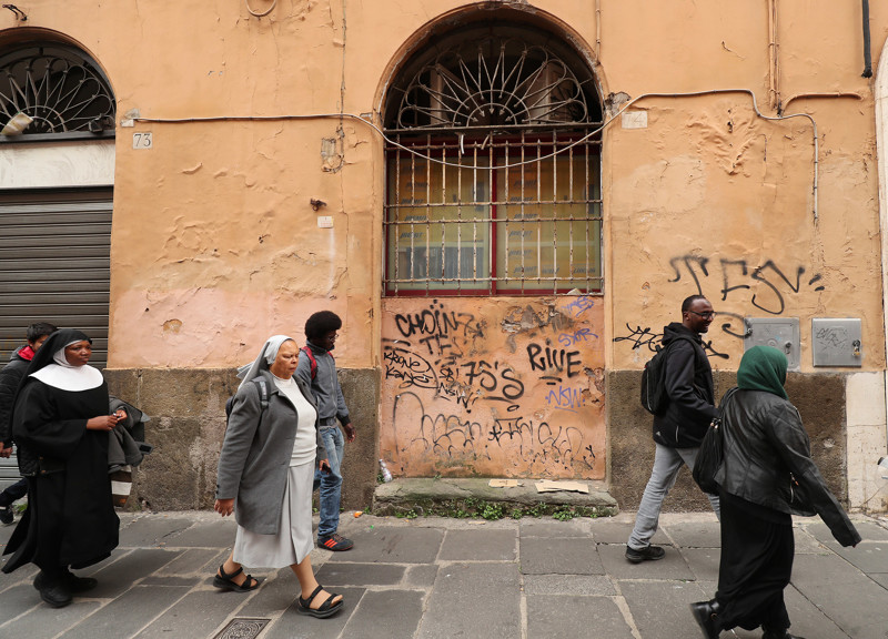 Refugees walk to tour a museum after classes at St. Paul's Within the Walls Episcopal Church in Rome, Italy on Thursday, March 7, 2019. The Church of Jesus Christ of Latter-day Saints partners with the Catholic church to help refugees.