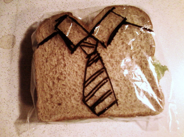 "Community Post: Dad Draws On Kids' Sandwich Bags, Makes Your Mom's ""I Love You!"" Notes Even Less Cool"