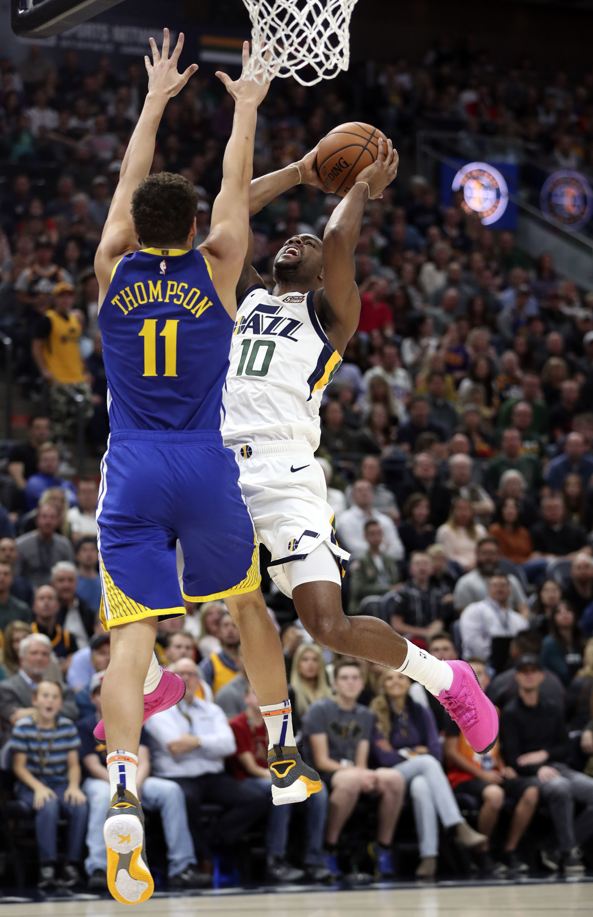 605cae09f76 Utah Jazz guard Alec Burks honors fiancé's cousin with hot pink sneakers  for Breast Cancer Awareness Month