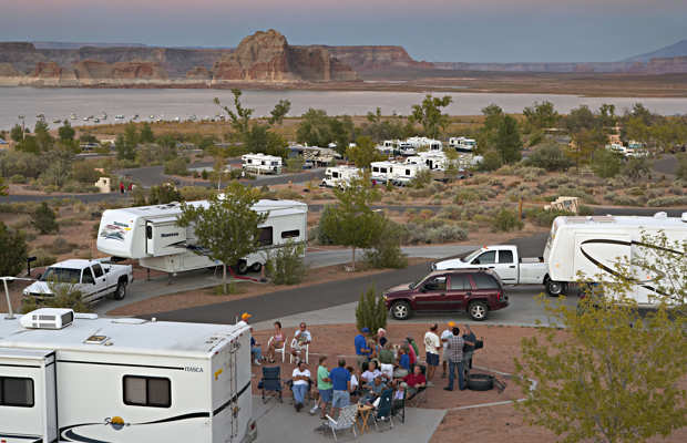 What is full hookup camping
